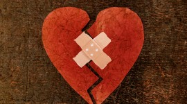 Broken Heart Desktop Wallpaper