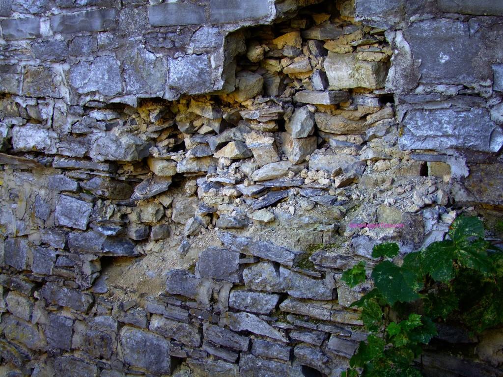 Broken Walls wallpapers HD