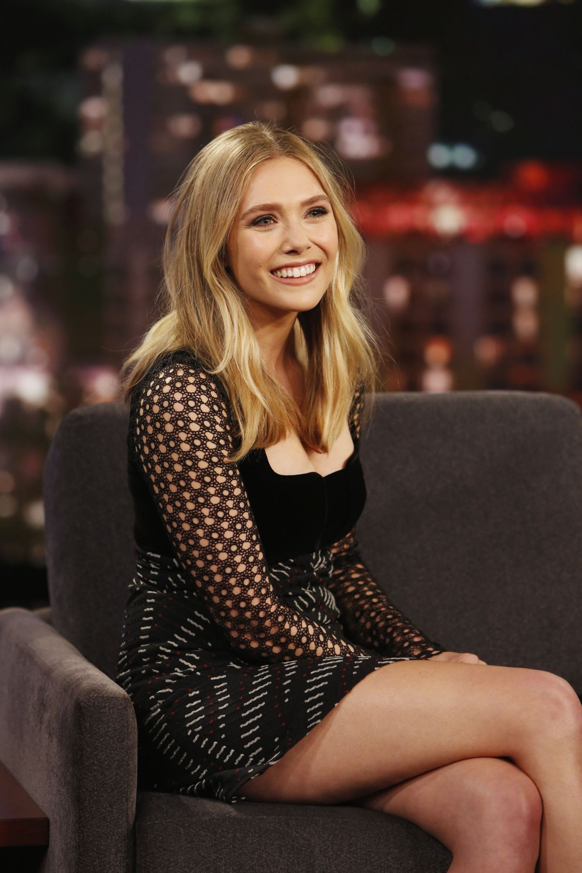 Elizabeth Olsen Wallpaper For IPhone