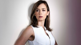 Emily Blunt High Quality Wallpaper