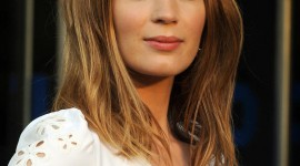Emily Blunt Wallpaper For IPhone