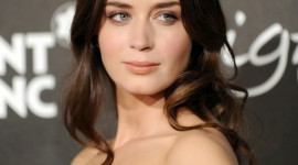 Emily Blunt Wallpaper For IPhone Download