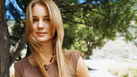 Emily VanCamp wallpapers high quality