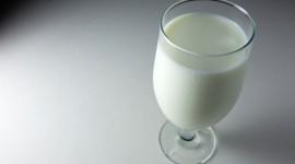 4K Milk Desktop Wallpaper