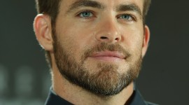 Chris Pine Wallpaper For IPhone Download