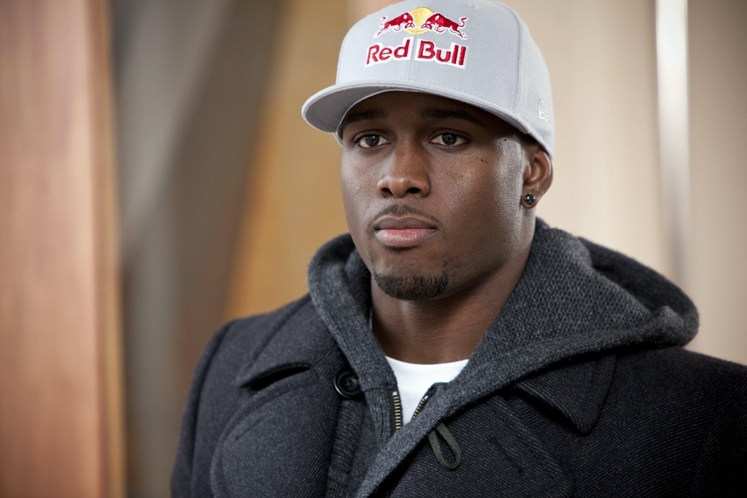 reggie bush Veteran running back reggie bush reached an agreement monday with the buffalo bills on a one-year, incentive-based contract the bills shared an image of bush signing his contract, while chris brown of buffalobills.