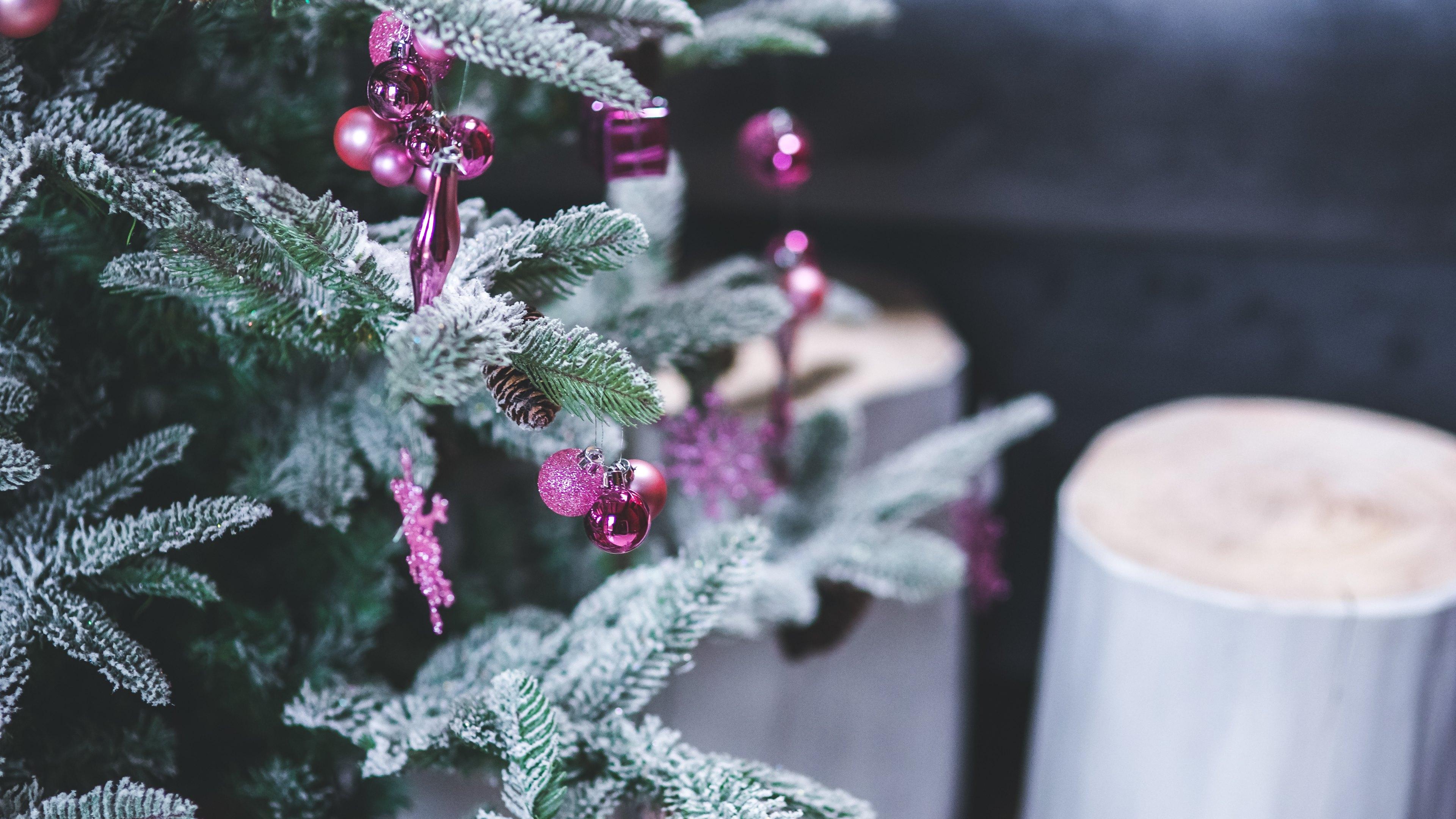 4K Christmas Tree Wall...