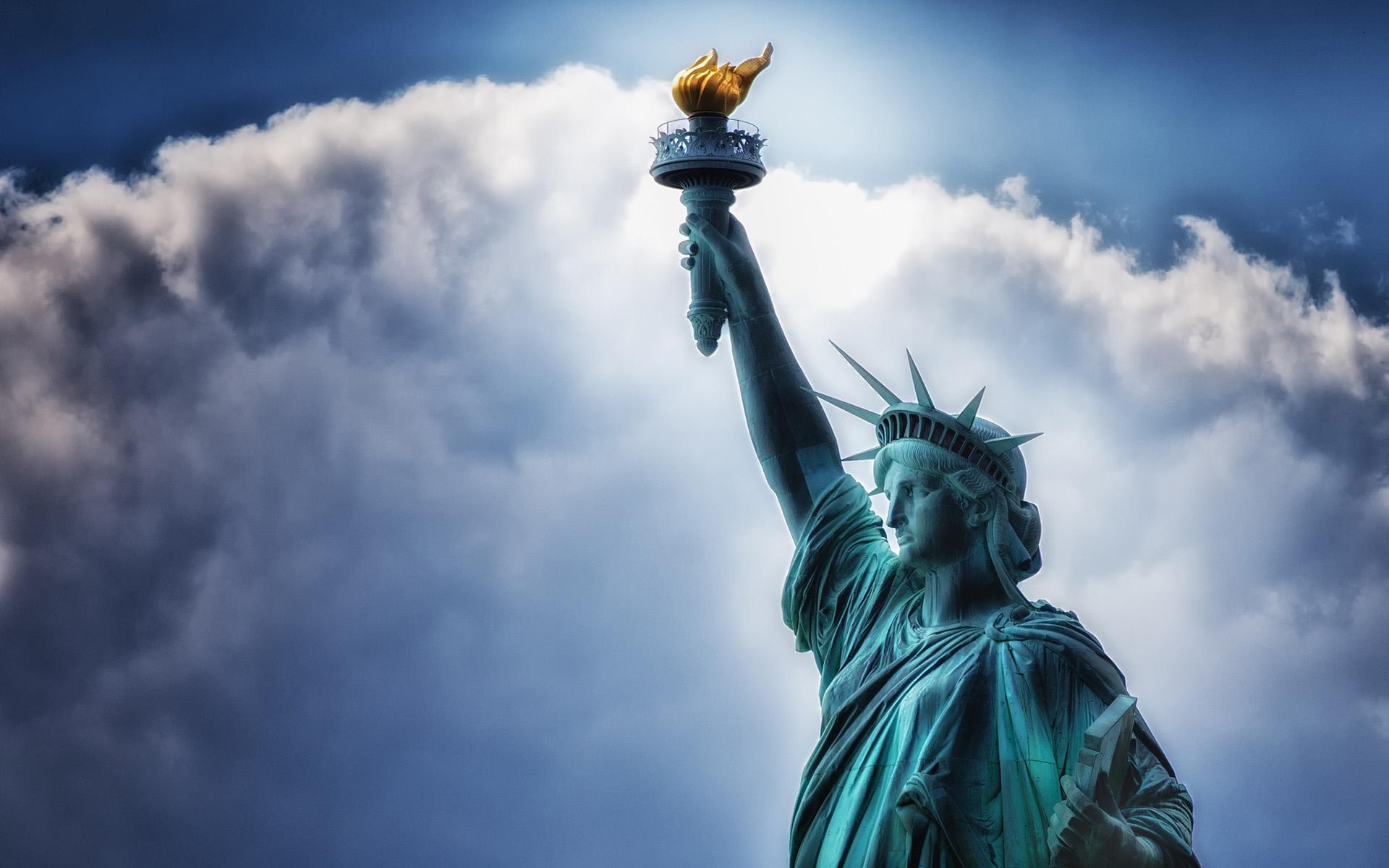 Statue of liberty wallpaper