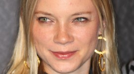 Amy Smart Wallpaper Background