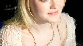 Dakota Fanning Wallpaper Background