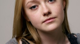 Dakota Fanning Wallpaper For IPhone