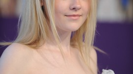 Dakota Fanning Wallpaper For IPhone Free