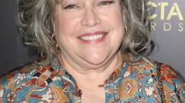 Kathy Bates Wallpaper Background