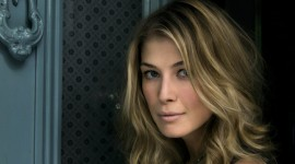 Rosamund Pike Wallpaper Full HD