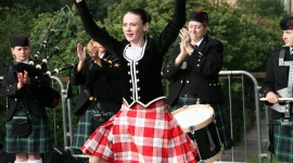 Scottish Dancing Wallpaper For Android