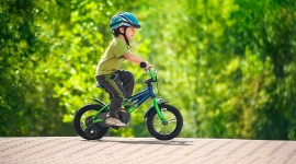 Children On Bicycles Best Wallpaper