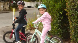 Children On Bicycles Wallpaper For Desktop