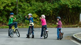 Children On Bicycles Wallpaper Full HD#1