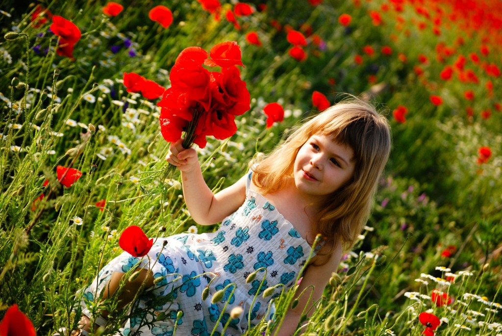 Children With Flowers wallpapers HD