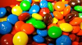 M&M Wallpaper Download