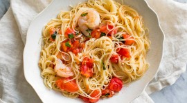 Noodles With Prawns Wallpaper For PC