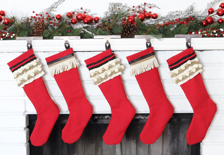 Как украсить носки своими руками