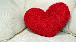 Heart Pillow Wallpaper For Desktop