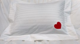 Heart Pillow Wallpaper Free
