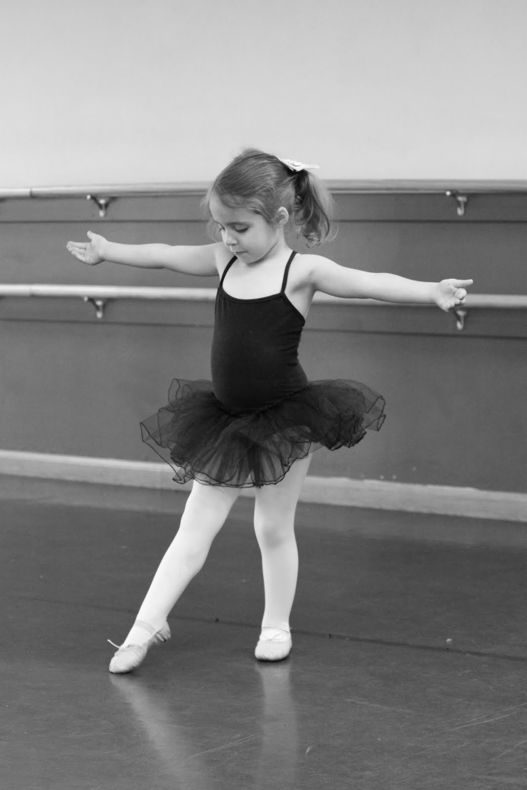 Little Ballerinas Wallpapers High Quality | Download Free