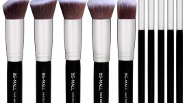 Makeup Brushes Wallpaper Full HD