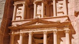 Petra In Jordan Wallpaper For IPhone