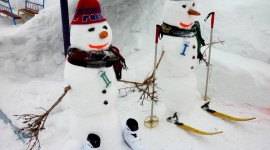 Snowman Skiing Photo Download