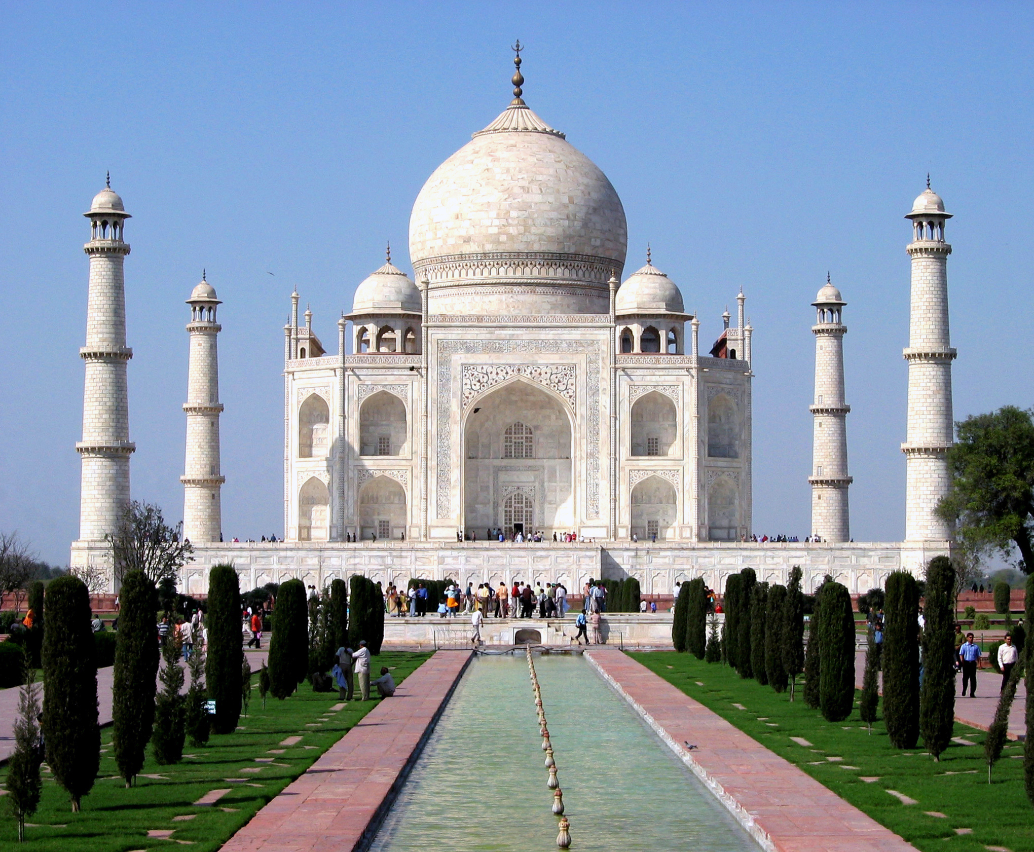tajmahal information in hindi The taj mahal is a white tomb built in the 17th century by the mughal emperor in 1996, the indian supreme court said that local industry was harming the taj mahal.