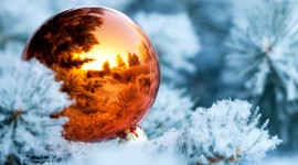 4K Christmas Balls Wallpaper Download