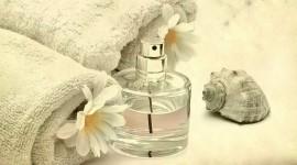 4K Perfume Photo
