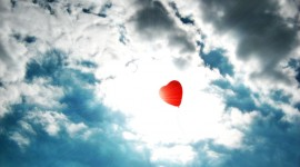 Balloon Heart Wallpaper HQ