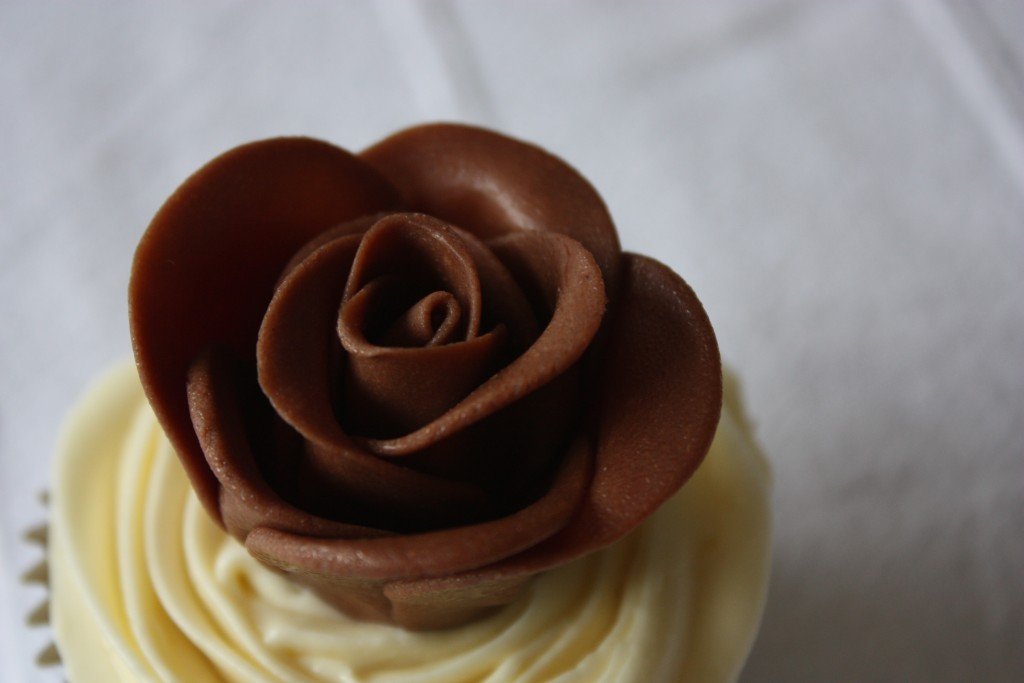 Chocolate Roses wallpapers HD