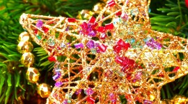 Christmas Beads Wallpaper For IPhone