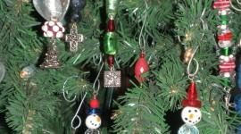 Christmas Beads Wallpaper For Mobile