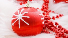 Christmas Beads Wallpaper Free