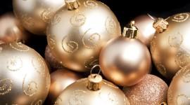 Gold Christmas Balls Photo Free