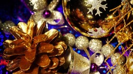Gold Christmas Balls Wallpaper 1080p