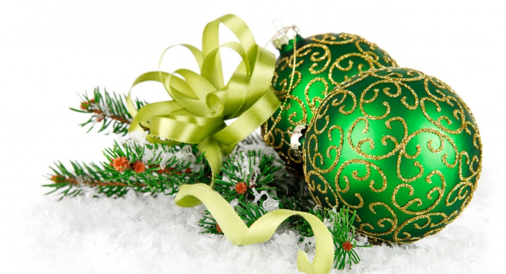 Green Christmas Balls wallpapers HD