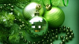 Green Christmas Balls Wallpaper