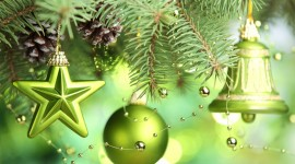 Green Christmas Balls Wallpaper Download