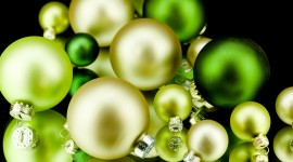 Green Christmas Balls Wallpaper Gallery