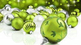 Green Christmas Balls Wallpaper HQ
