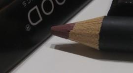 Lip Liner Desktop Wallpaper