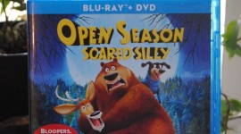 Open Season Scared Silly Wallpaper For IPhone