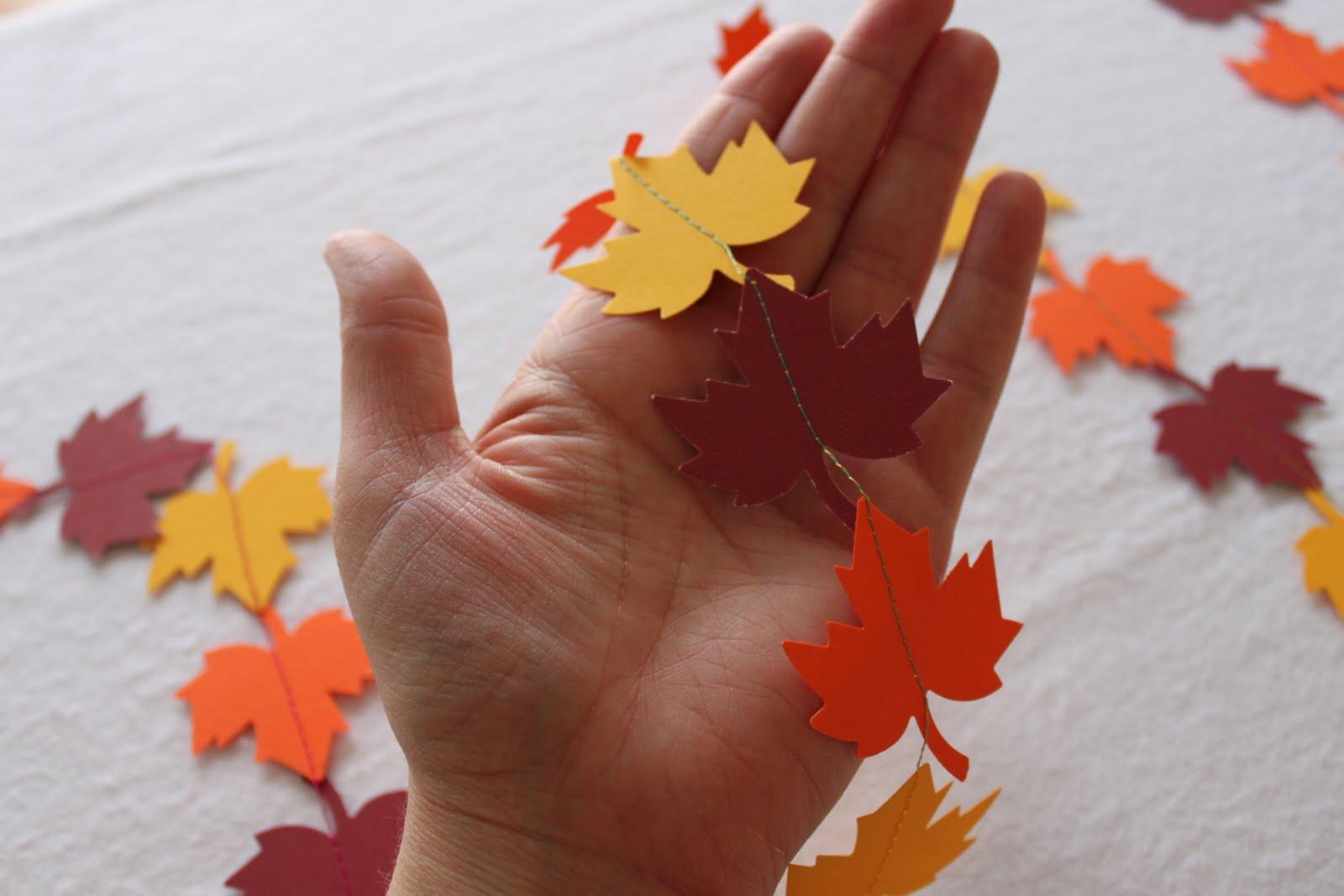 Осенняя гирлянда своими руками для детского сада из бумаги